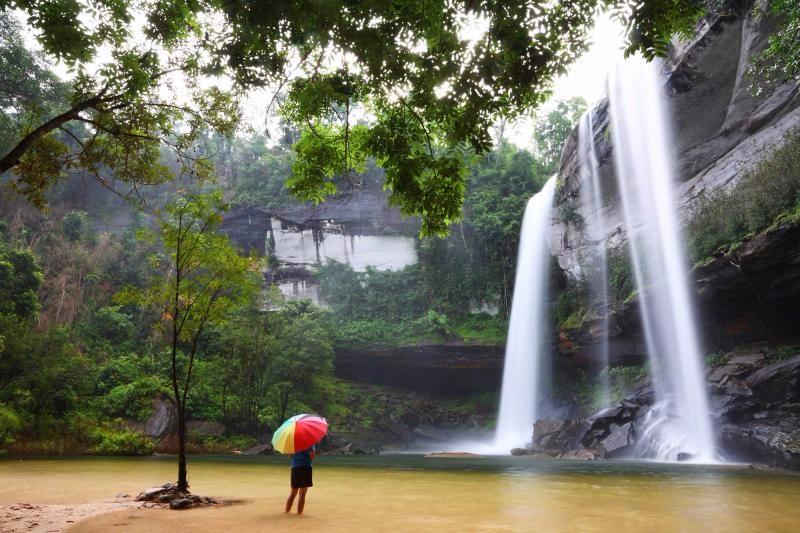 ngắm các thác nước đầy thơ mộng